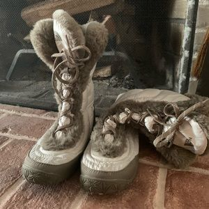 North face white and gray goose down boots